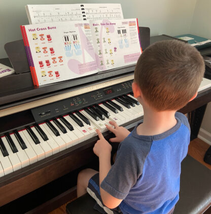 Beginner piano book for children